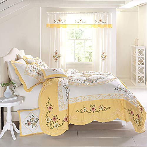 BrylaneHome Ava Oversized Embroidered Cotton Quilt - Full/Queen, Dandelion Yellow