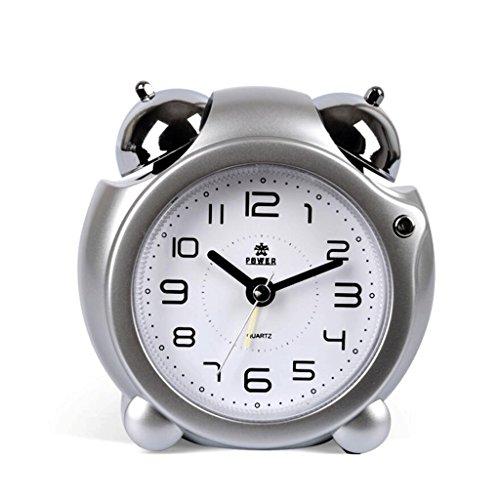 Met Love nachtkastje Creative Mute wekker slaapkamer persoonlijkheid wekker zilver.