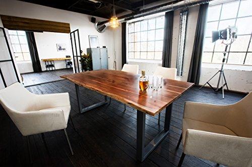 KAWOLA eettafel 140x85cm massief met boomrand notenhout kleur voet zilverkleurig