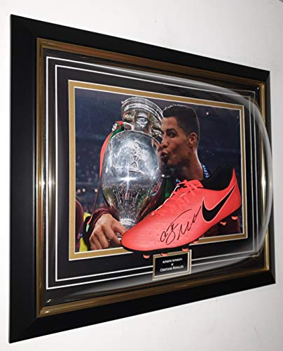 WWW.Signedmemorrabiliashop.co.uk CRISTIANO RONALDO - Botas de fútbol firmadas