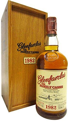 Glenfarclas - The Family Casks #2213-1982 24 year old Whisky