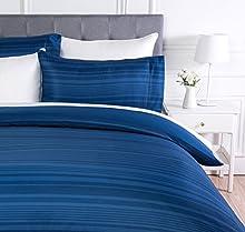 Amazon Basics - Juego de funda nórdica de microfibra ligera de microfibra, 135 x 200 cm, Azul real raya (Royal Blue Calvin Stripe)