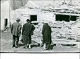 Leslie Grantham, Caroline Langrishe and Jerry Hall in Cluedo - Vintage Press Photo