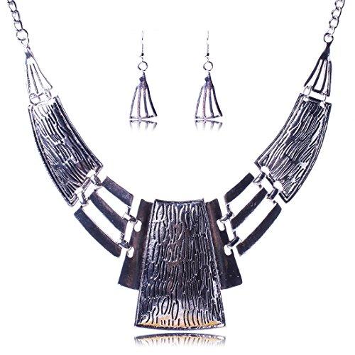 QIYUN.Z Women's Chunky Bold Square Bib Statement Chain Link Collar Necklace...