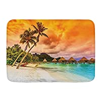 NIESIKKLA バスマット、マウンテンビーチとヤシの木の夕日のロマンチックな景色のオレンジ色の雲、マット滑り止め ソフトタッチ 丸洗い 洗濯 台所 脱衣場 キッチン 玄関やわらかマット 45 x 75cm