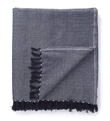 Encasa Homes Bed & Sofa Throw Blanket 50'x60'- Herringbone Pattern in Contrast Colours, Soft Cotton, Warm & Comfortable, Machine Washable, Good for Bedroom, Living Room, Beach & Picnic - Grey
