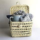CESTA REGALO Casa, descanso y relax. Regalos personalizados con mucho mimo. Taza, calcetines de algodón y bolsa de merienda. Regalos perfecto para San Valentín