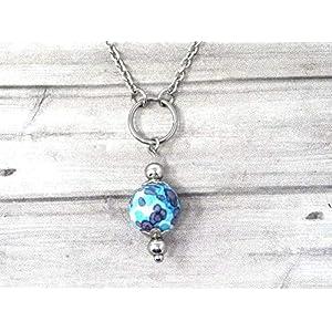 Chokerhalskette für Frauen aus Edelstahl mit blau und weiß getönten Ringen und Jadeperlen