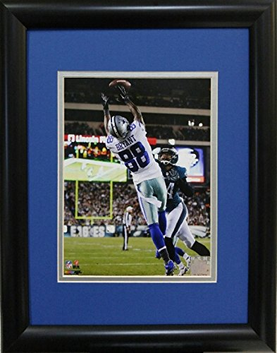 samscustomframing.com Framed sports art Dez Bryant I Dallas Cowboys Licensed Photo with Double Mat under Glass Interior Size 11x14 Exterior Size 14x18