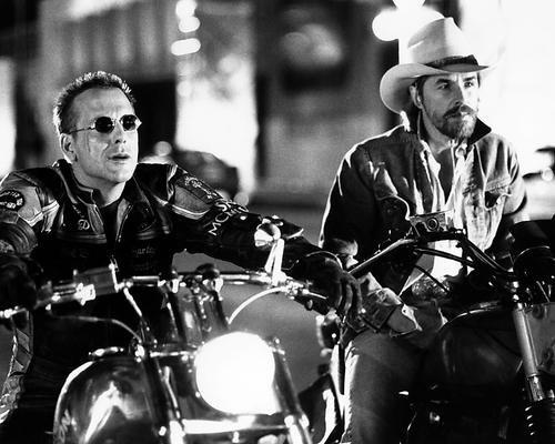 Moviestore Mickey Rourke als Harley Davidson unt Don Johnson als Marlboro in Harley Davidson and the Marlboro Man 50x40cm Schwarzweiß-Foto