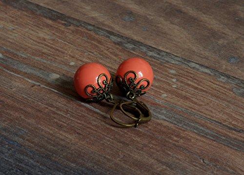 Klassische Vintage Ohrringe mit Perlen in koralle einzeln oder mit passender Kette als Schmuckset