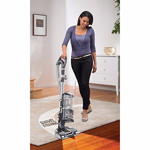 Shark UV540 Lift-Away Upright Vacuum (Renewed)