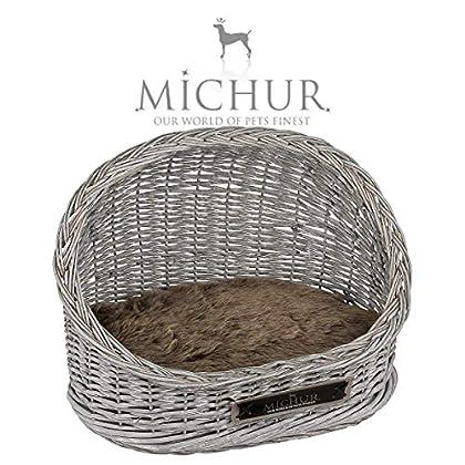 Michur Oli, ca. 55x38x40cm (Kissen 50x35x5cm), unser Katzenkorb aus Weide / Katzenbett in Grau. Das Modell Oli ist aus Weide – geflecht gefertigt. Zu jedem Körbchen werden zwei Kissen geliefert. Michur Körbchen aus Weide für Hunde und Katzen, werden ...