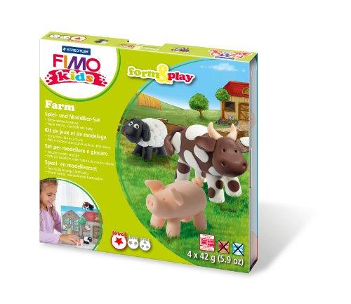 Staedtler 8034 01 LY Fimo kids form&play Set Farm (superweiche, ofenhärtende Knete, kinderleichte Anleitung, wiederverschließbare Box, Set mit 4 Fimo Blöcken, 1 Modellierstab und 1 Spielkulisse)
