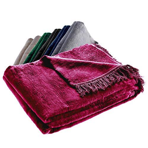 KADAX Kuscheldecke, weiche Wohndecke mit Fransen, 150 cm x 200 cm, Sofa-Decke, Couchdecke, warme Decke für Couch, Bett, Tagesdecke aus Baumwolle, Acryl, leicht zu pflegen (rot)