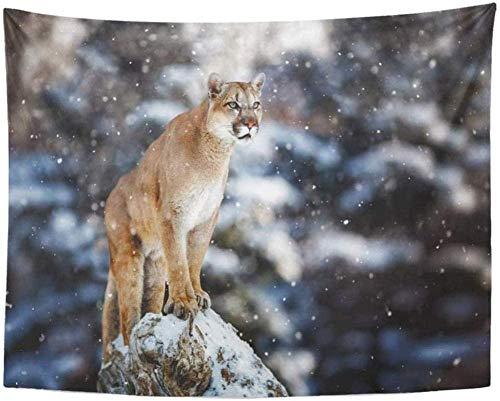 DINGQING Tapiz de Pared Naturaleza Retrato de Puma León de montaña Pantera Pose llamativa en árbol caído Escena de Invierno en el Bosque Animal de Ataque Decoración Grande 150 cm x 200 cm