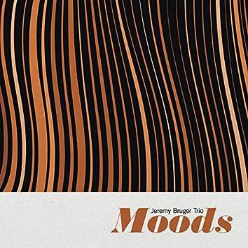 Moods (feat. Raphaël Dever, Mourad Benhamou, Jeremy Bruger)