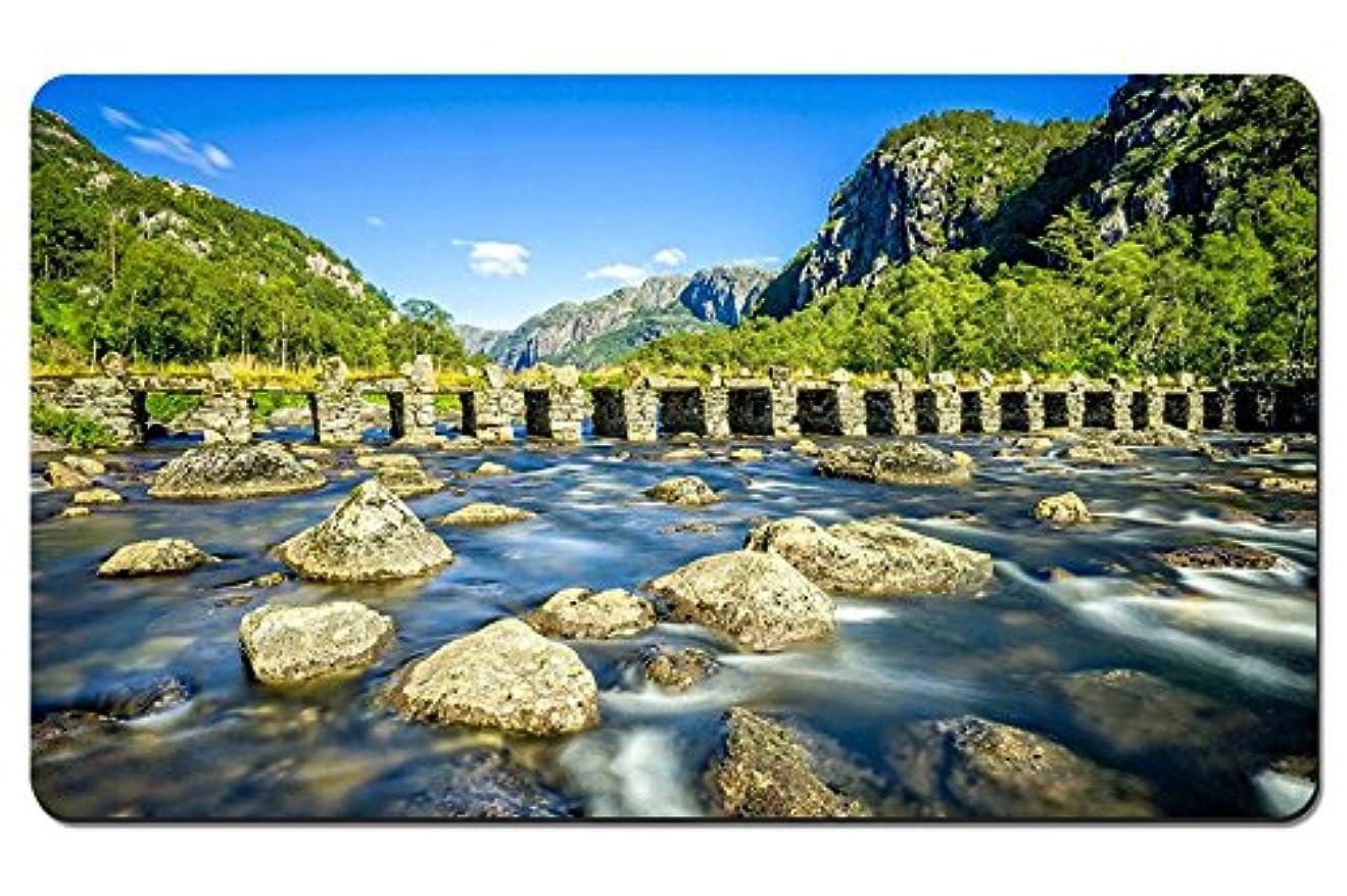 連想告発者聖職者ローガラン、ノルウェー、川、石橋、岩、山、木 パターンカスタムの マウスパッド 旅行 風景 景色 デスクマット 大 (60cmx35cm)