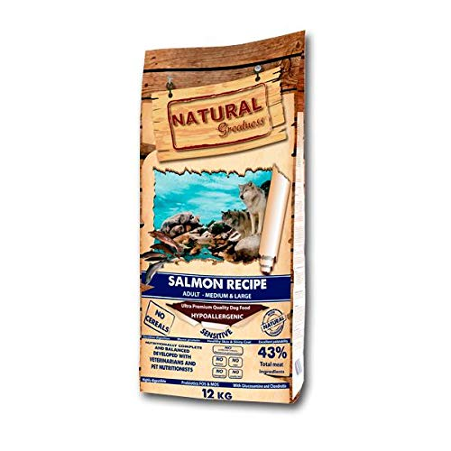 12 KG Natural greatness salmon sensitive medium hondenvoer