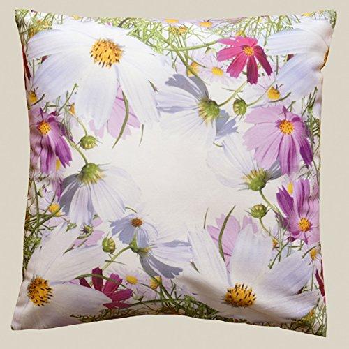 Fashion&Joy Kissenhülle bunt Bedruckt mit Blumenwiese 40x40 cm mit Reißverschluß weiß mit Digitaldruck Blumen - Sommer Chic Kissen Typ407