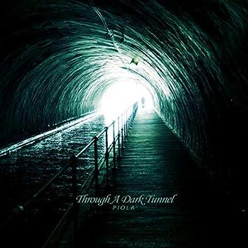 어두운 터널을 지나