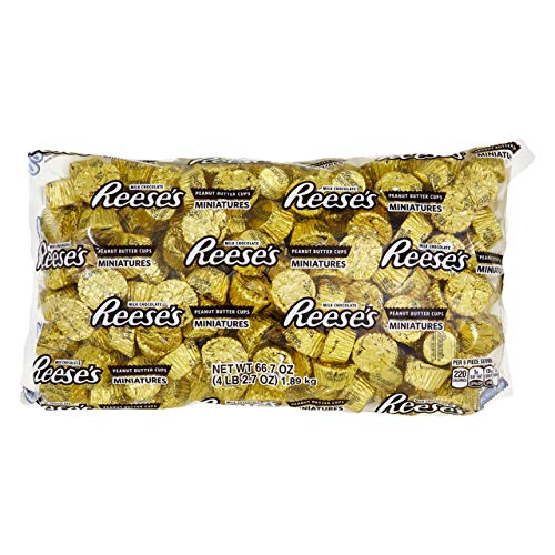 REESE'S Peanut Butter Cup Miniatures, Chocolate Candy, baking supplies Gold foils, 66.7 Ounce Bulk Bag (About 205 Pieces)