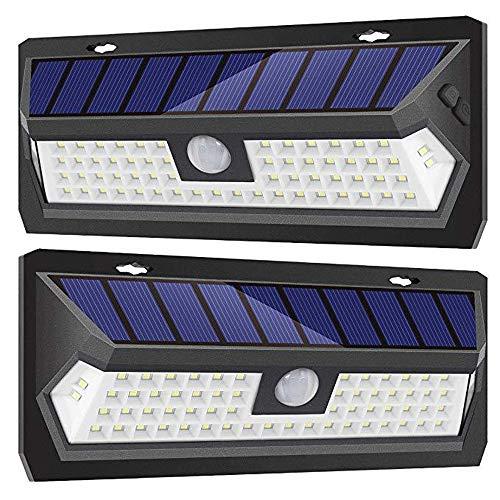 4400mAh Solarleuchten für Außen 62 LED, Auccy Solarlampen mit Bewegungsmelder Solar Wasserdichte Wandleuchte Solar Aussenleuchte Solarlicht für Garten, Patio, Deck, Hof- [ 2 Stück ]