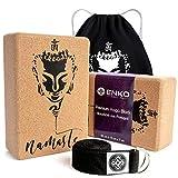 ENKO Premium Yoga Block 4er-Set - 2X Yogablock aus Kork 1x Yoga Gurt inklusive Baumwolltasche - Hochwertiges Yogaklotz und Gurt Set