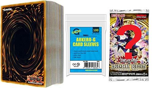 A Yu-Gi-Oh! 100 gemischte Karten + 1 Mystery Booster + 100 Arkero-G Kartenhüllen - DEUTSCH - Geschenk-Set für die Sammlung oder das Deck