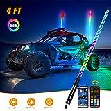 Differenza U Auto RGB LED Frusta Luce con Telecomando E APP Control, Antenna a Spirale LED Fruste Spiaggia Bandiera Luce per SUV ATV UTV RZR Camion, 4FT