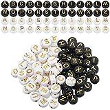 1000 Pièces Rondes Acrylique Alphabet Perles Lettre Perles Plat Rond Disque Coin Poney Perles 4 x 7 mm Perles pour BRICOLAGE Bracelet Collier Fournitures de Fabrication de Bijoux (Blanc/Noir avec Lettre d'Or)