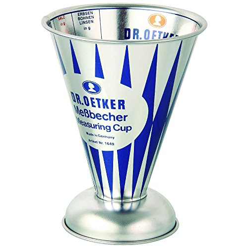 Dr. Oetker Messbecher Nostalgie, Messkanne aus Weißblech, trichterförmiger Messbecher mit vielfältiger Skalierung aus der Serie