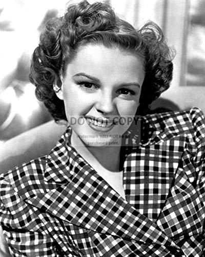 bucraft Judy Garland Legendary Actress - 8X10 Publicity Photo (DA-370)