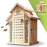 Nature Conform Insektenhotel Naturholz - Bienenhotel [BEOBACHTUNGSNISTKASTEN] Saubere Verarbeitung mit Bambusröhrchen   Nisthilfe Wildbienenhotel Garten und Balkon   Bienenhaus