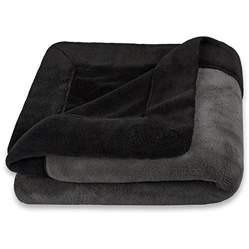 CelinaTex Toronto Kuscheldecke 150 x 200 cm schwarz & dunkel grau Mikrofaser Wohndecke Fleece Tagesdecke