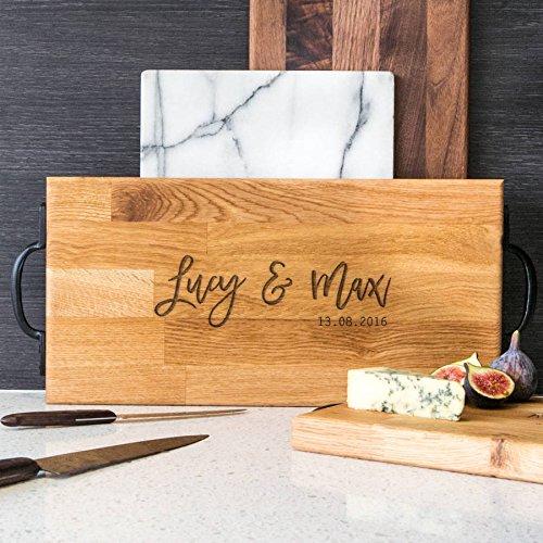Personalisiertes Schneidebrett - großes Holzbrett aus Eiche oder Walnuss - Küchenbrett mit Gravur - graviertes Geschenk Verlobung Hochzeit Hochzeitstag