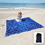 Manta de playa sedosa y suave, a prueba de arena, bolsillos en las esquinas y bolsa de malla, 213x185cm, para playa, fiestas, viajes, camping y festivales de música al aire libre, color azul oscuro