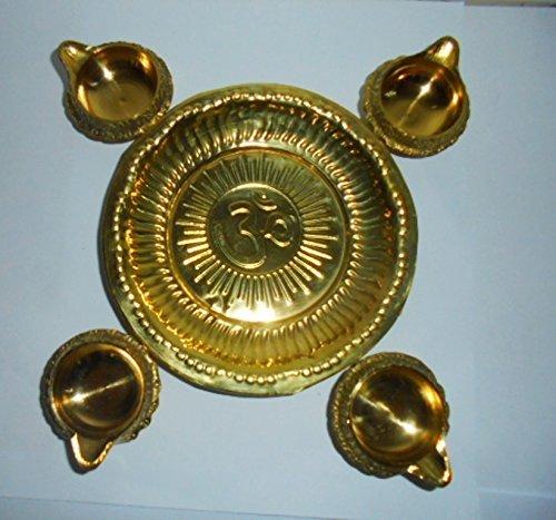 Art Collectibles India Set aus 4 Kuber Diyas + Messing Om Platte Messing für Diwali – Hindu-Puja Lighting Navratra Thali