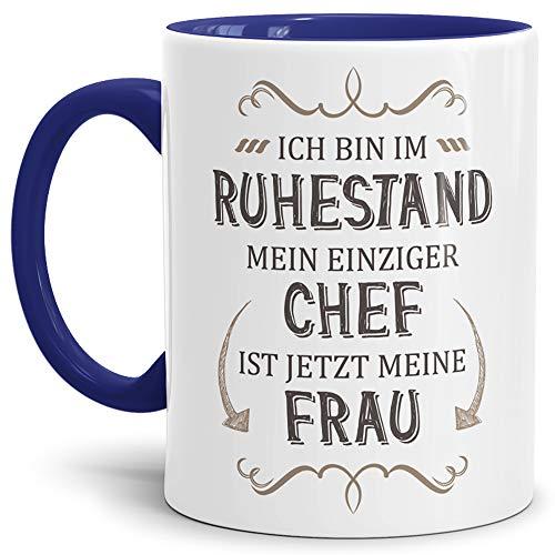 Tassendruck Geschenk-Tasse Zum Ruhestand mit Lustigem Spruch:Mein einziger Chef ist Jetzt Meine Frau/Rente/Rentner/Pension/Abschieds-Geschenk/Innen & Henkel Dunkelblau