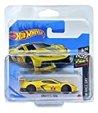 Hot Wheels Corvette C8.R (amarillo) 6/10 HW Race Day 2021 – 105/250 (tarjeta corta) GRX31 *** Viene en una funda protectora para guardamanos de coche KLAS* **