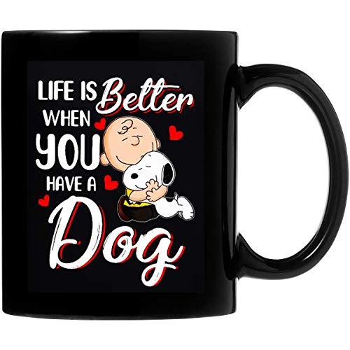 Snoopy y Charlie Brown La vida es mejor cuando tienes un perro Taza de café de cerámica de 11 oz Regalos personalizados para padres, amantes de la oficina, regalos de San Valentín en ambos lados sensi