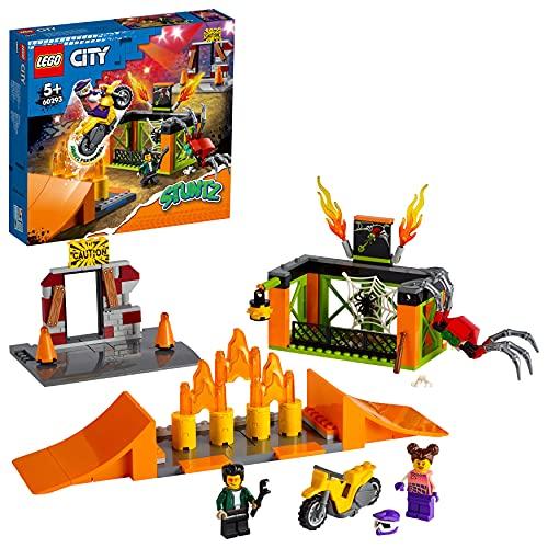 LEGO City Stuntz Stunt Park, Set da Costruzione con Moto Giocattolo con Meccanismo a Spinta, Rampe, Gabbia per il Ragno e Minifigura Pilota, 60293