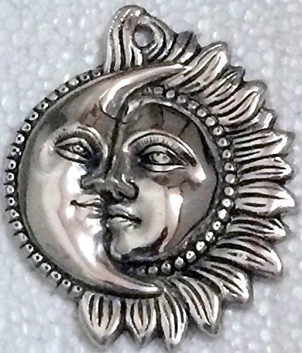 The Hue Cottage Sun Moon Decorative fleuron Blanc Artisanal métallique tenture Figurine Argent de Bon augure des Articles de Cadeau