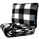 PAVILIA Reisedecke mit weichem Taschenkissen, kompakte Decke für Flugzeug, Autoreise, Camping | Große tragbare Fleecedecke für Flugzeug, Auto, Bus, Zug mit Handgepäckgurt 60x43 (Checker White)
