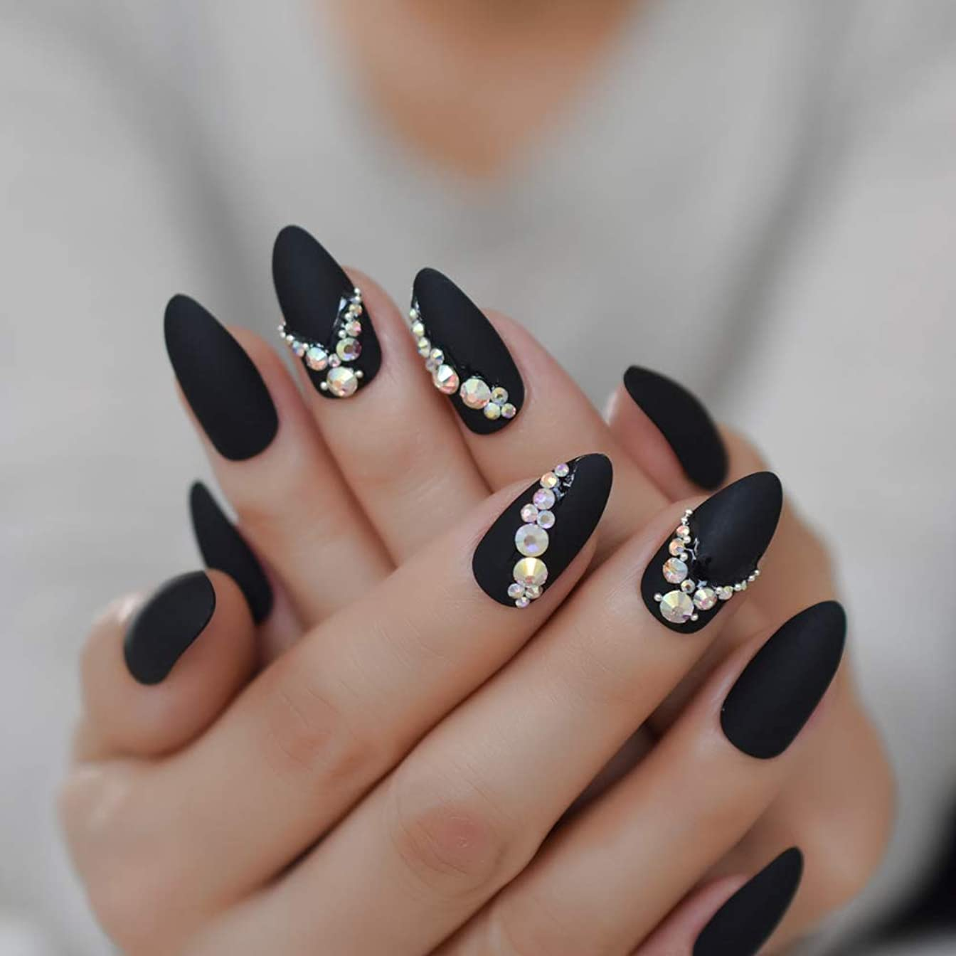 群集縫う深くXUTXZKA きらめく光沢のあるラインストーンの装飾尖った爪人工偽爪