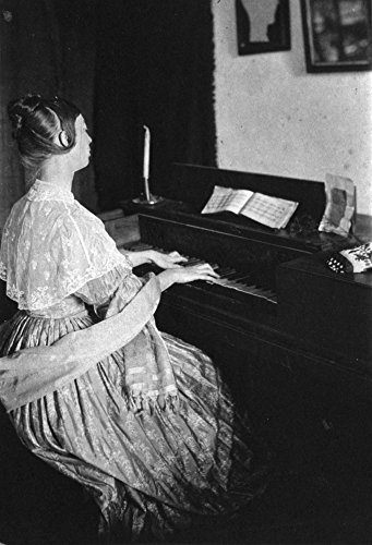 The Poster Corp Spinet Piano C1900. /Nwoman Playing A Spinet Piano. Photographed by Frances S. Allen C1900. Kunstdruck (60,96 x 91,44 cm)