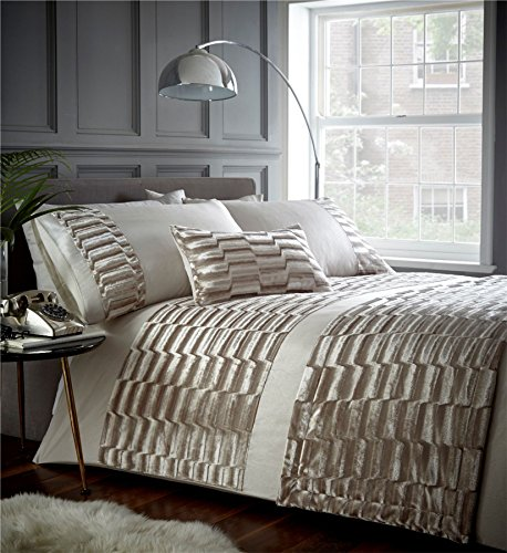 Portfolio Murray Velvet Soft Pattern Design Quilt Duvet Cover Bed Set, Polyester, Oyster, King