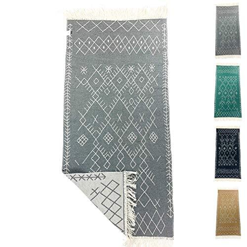 SOLTAKO Alfombra de pasillo pequeña Kelim con flecos y estampado retro, bohemio, étnico, marroquí, lavable, modelo Agadir (gris pastel, crudo), 135 x 65 cm