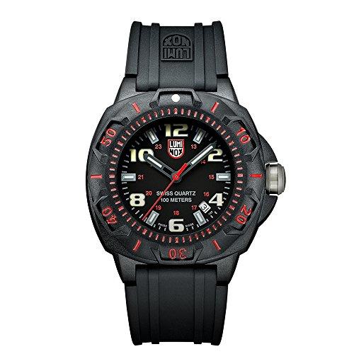 Luminox Outdoor Uhr Herren Vintage Style (XL.0215.SL / Sentry 0200 Serie) Made in Schweiz, Schwarzes Ziffernblatt und Carbon-Gehäuse, rote Ziffern, 100m Wasserdichte