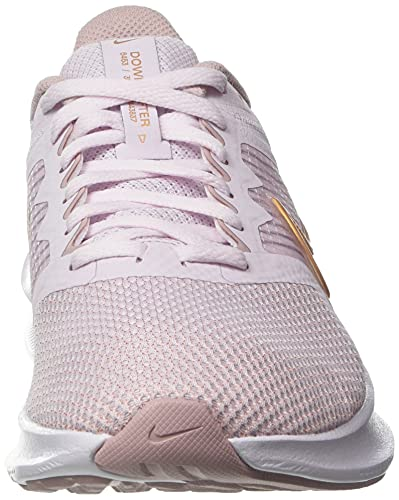 Nike Wmns Downshifter 11, Zapatillas para Correr Mujer, Light Violet/Champagne/White/Metallic Red Bronze, 38.5 EU